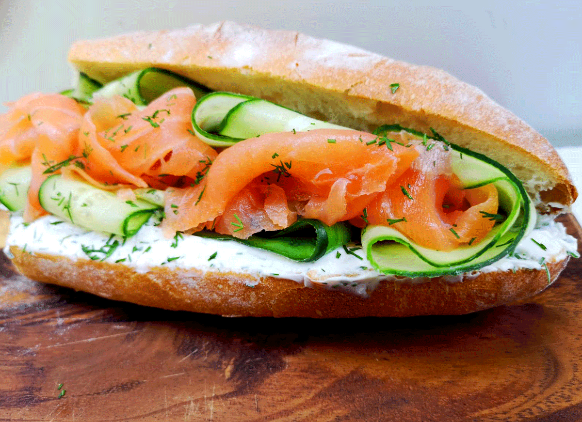 freshly prepared for your event / salmon baguette