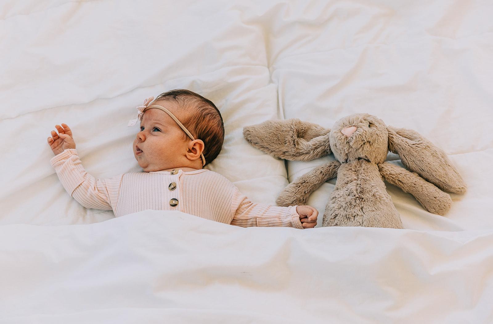 Darling newborn studio photo shoot for baby girl Leighton with her bunny in Logan, Utah by Bella Alder Photography in Blush Door Studio | #bellaalderphoto #newbornphotographer #utahnewbornphotos #babygirlnewborn #babygirl #blushdoorstudio #newbornsession #utahbabies #babyphotoshoot #newborns