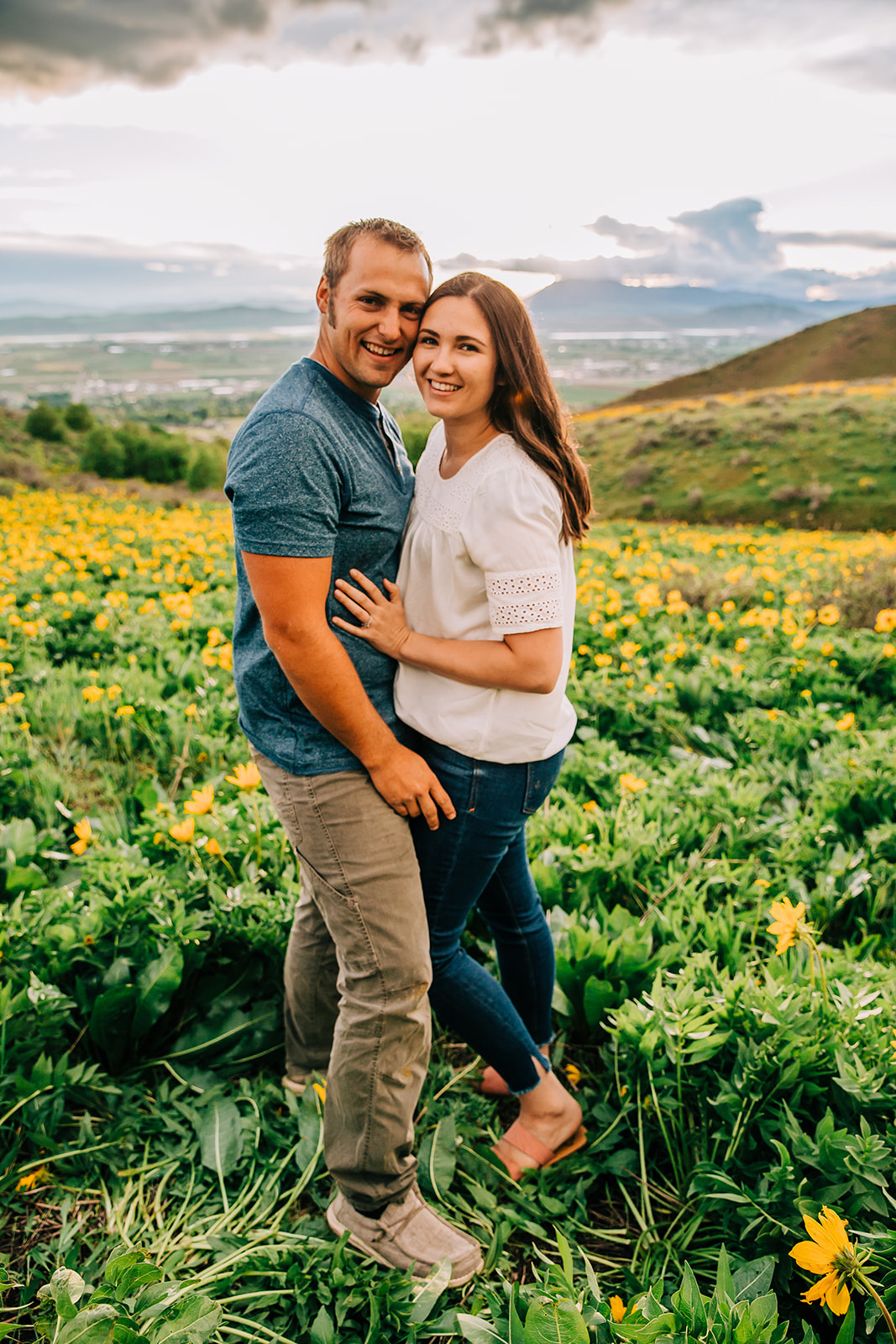 Family pictures by a professional photographer. Husband and wife together. Mom and dad family photos. Beautiful spring pictures. Mountain photography. #Familypcitures #springtimephotos #momanddadphotos #happyfamily #happycouples #happyfamily #mountainpictures #mountainfamilyphotography #husbandandwife #springtimephotos
