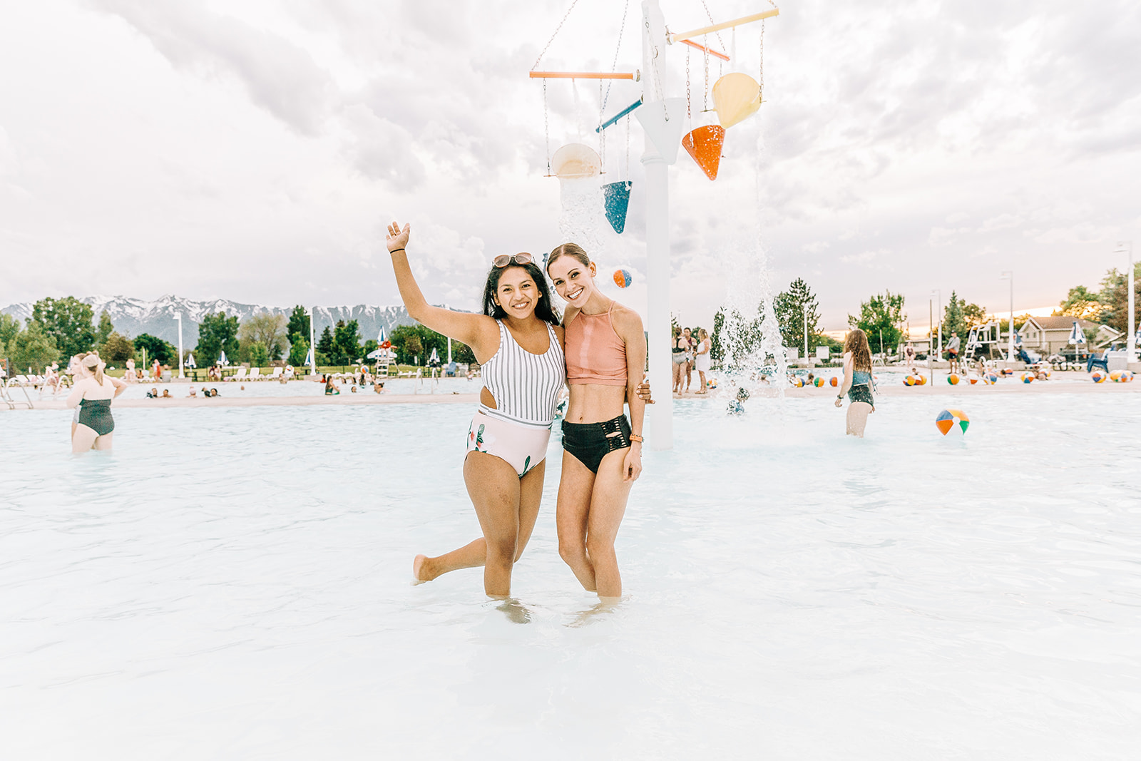 Epic dance party pictures by bella alder photography at commercial event with nani swimwear in logan utah commercial photographer #bellaalderphoto #poolparty #professionalevent #eventinspo #poolpartyinspo #commercialevent #commercialphotography