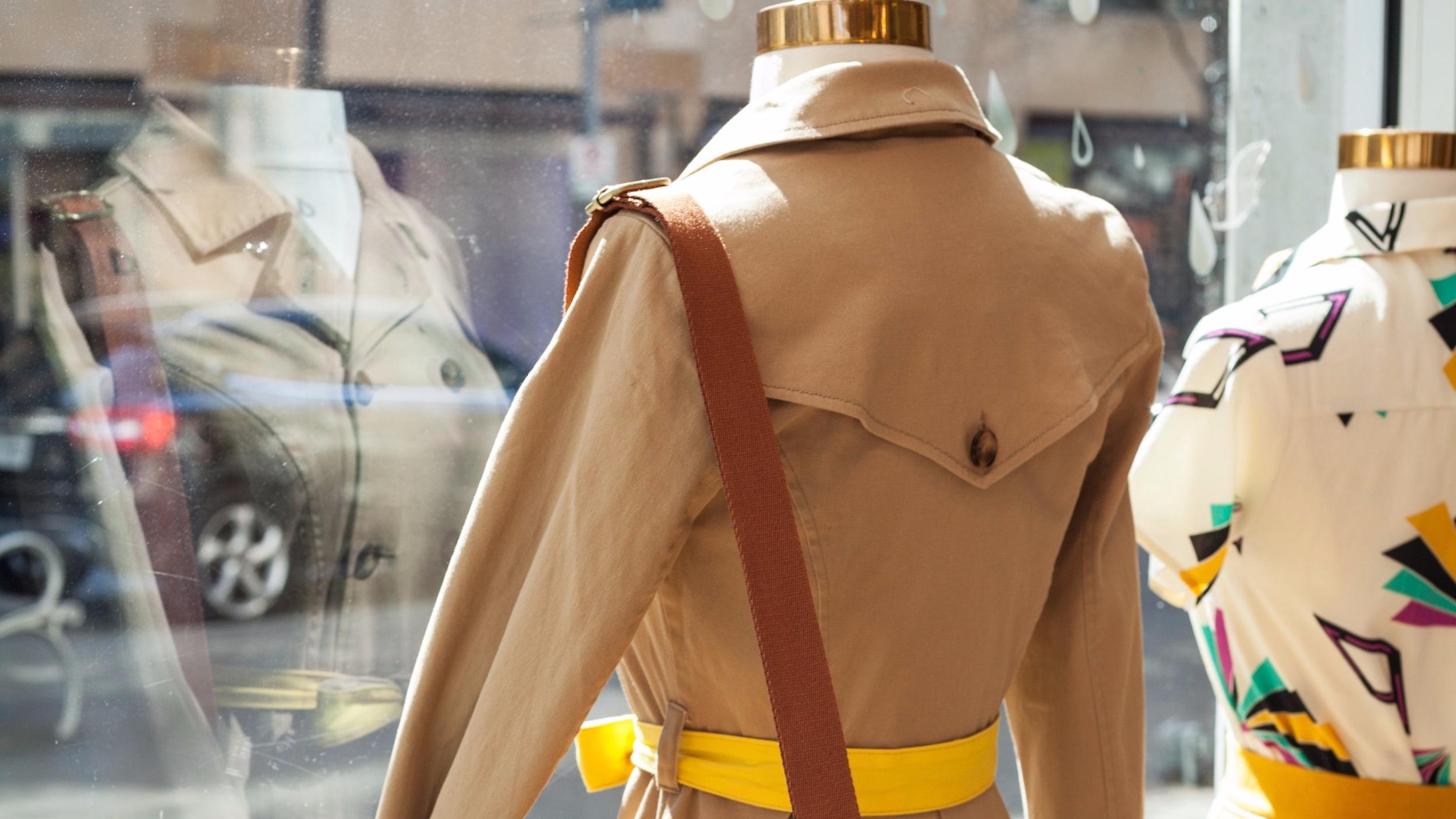 boutique-fashion-leather-bag-2002717.jpg