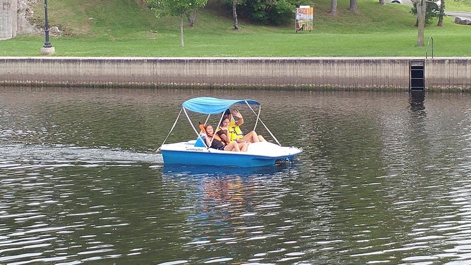 RR paddleboat fam.jpg