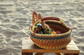 beach basket.jpg