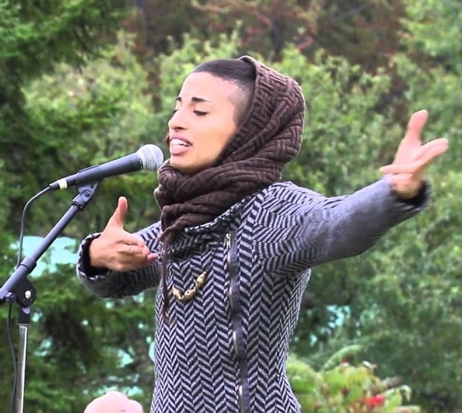 Naima Penniman performing at the Grafton Peace Pagoda.