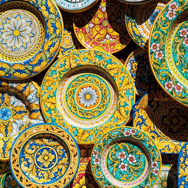 Life isn't black and white; it's full of colour! Whether it's a stunning polychrome sunset or these vibrantly painted Italian ceramics, colour can be transformative and invigorating.  I'm pulling design inspiration from these feels today for a client who LOVES colour as much as I do.  Can't wait to show you what we create!
