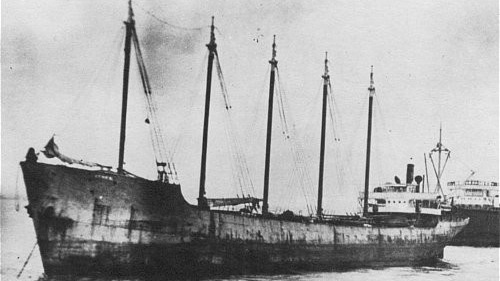 Dykes - Type: Schooner barge, USA ( The small smokestack in the pictures is for an electrical generator. )Built: 1919, Baltimore MD USASpecs: ( 306 x 35 ft ) 2072 tons, 14 crewSponsor: Modern Transportation Co.Sunk: July 1983Depth: 65 ft