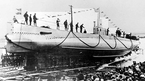 USS S-5 - Type: Submarine, U.S. NavyBuilt: 1920, Portsmouth Navy Yard, NH USASpecs: ( 231 x 21 ft ) 876 displacement tons, 37 crewSunk: Wednesday September 1, 1920 flooded during test dive - no casualtiesDepth: 165 ft