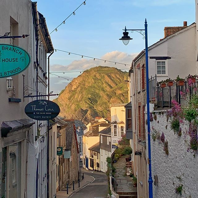 We love the view down Fore Street from The Habit. A wander down to the harbour for an ice cream or fish and chips is a real treat. #familyholiday #ilfracombe #icecream #devon