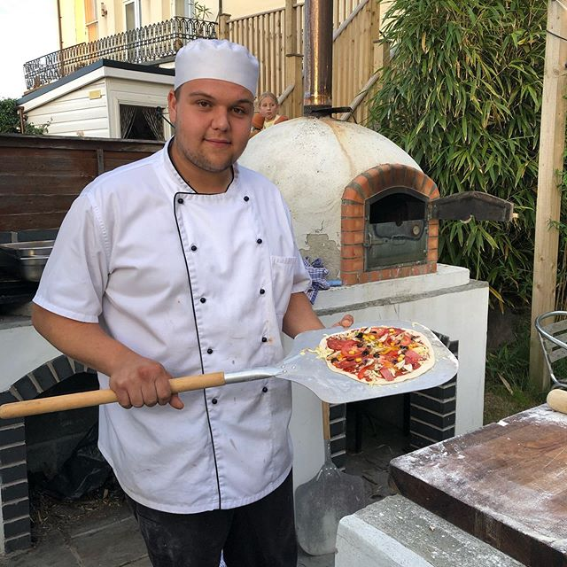 Fantastic pizza party at The Habit with the fabulous Caleb of Tommy G Catering #partyhouse #devonholiday #devoncaterer