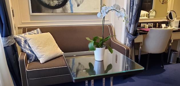 superior suite living room | Seven Seas Explorer | CruiseReport.com