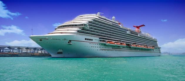 carnival cruise line, carnival vista, carnival vista review, carnival review, caribbean cruise, large ship,carnival cruise line review, travel photography, cruise ship dining, guy fieri, guys burger joint, chris dikmen, rickee richardson