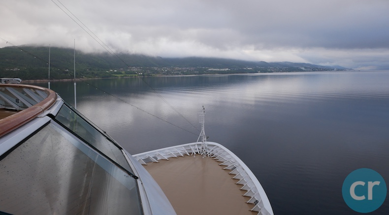 Viking Sky sails into Molde, Norway
