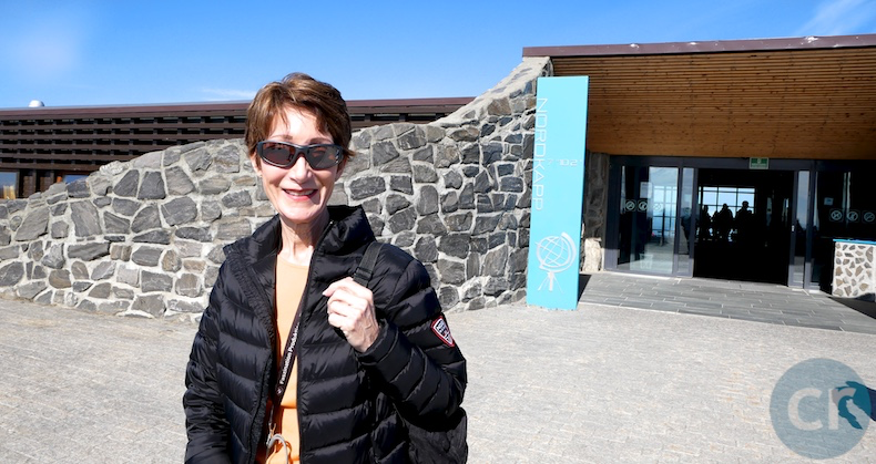 Rickee outside of the visitor center at Nordkapp (North Cape)