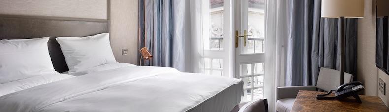 Queen Dom | The Emblem Hotel - Prague | CruiseReport