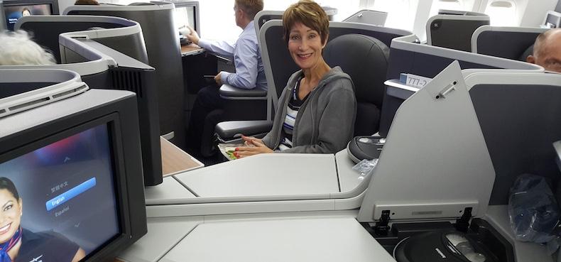 Center seats allow communication