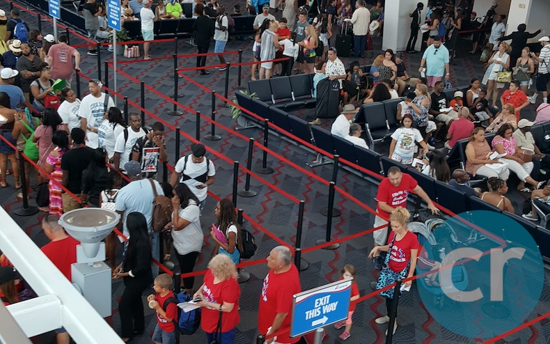 Check-in lines for Vista