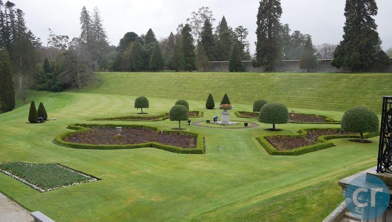 Powerscourt gardens Enniskerry Ireland.png