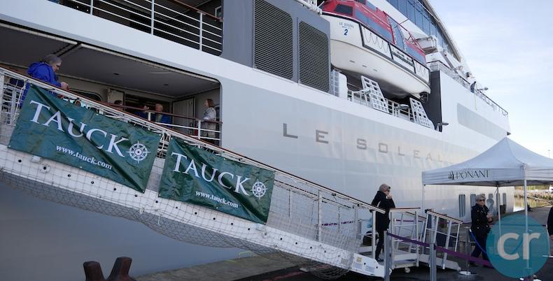 Tauck guests disembark in Belfast