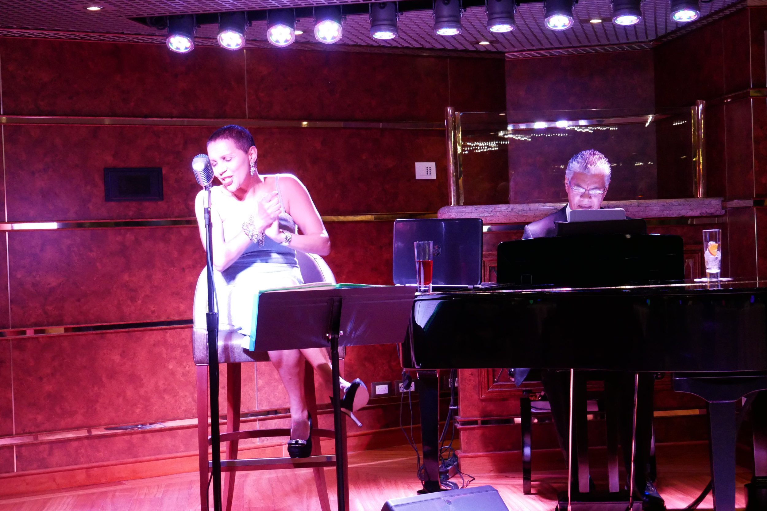 And of course, Helene and Andre performed excellent jazz in Silver Note.