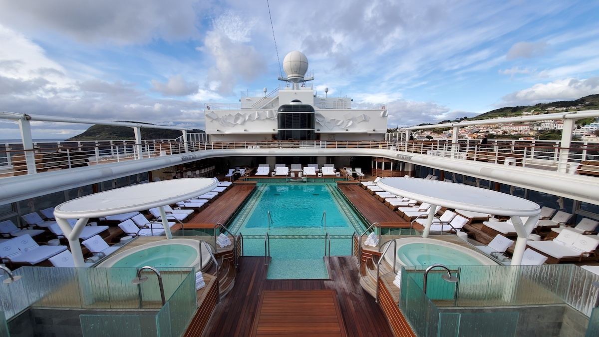 Pool Deck | Seven Seas Explorer | CruiseReport