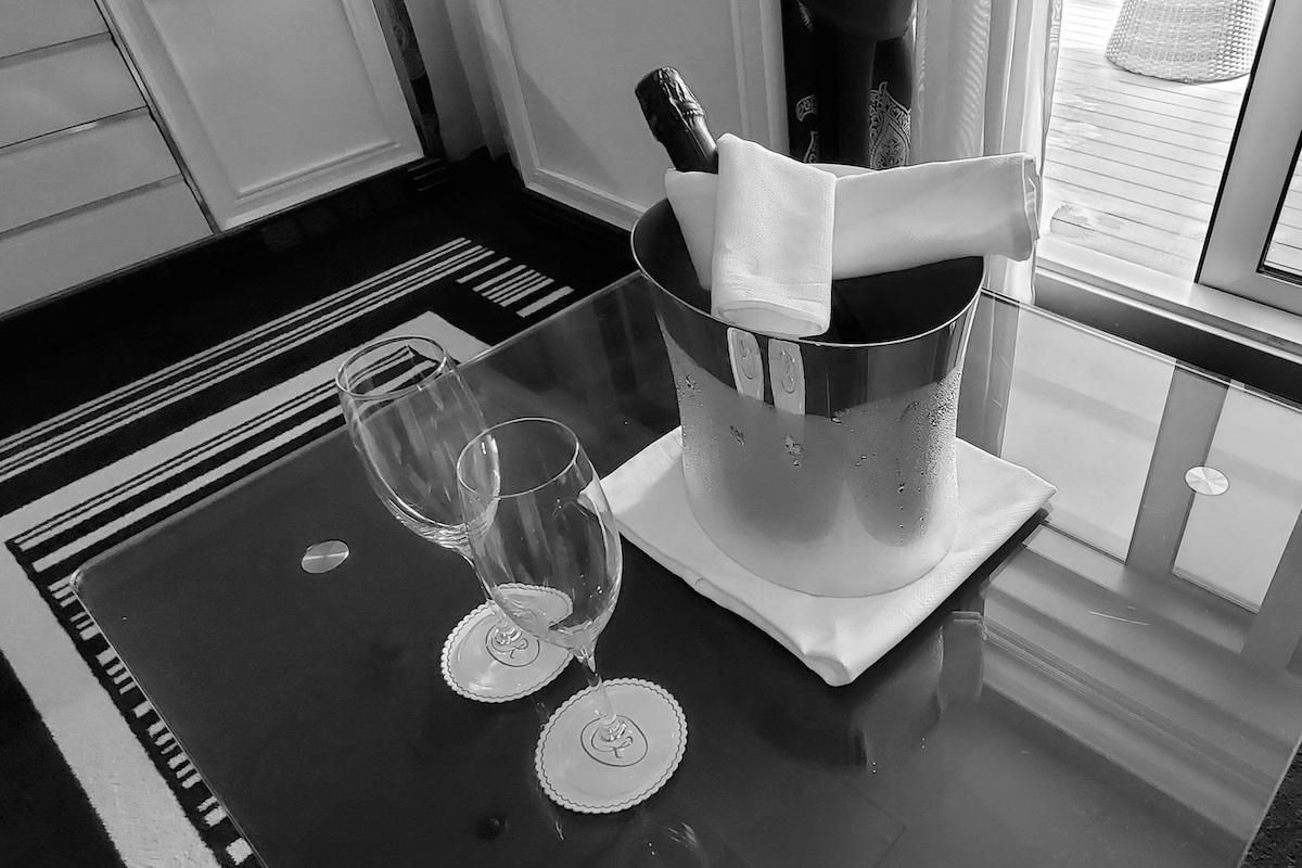 Champagne on ice waiting in Superior Suite | Seven Seas Explorer | CruiseReport