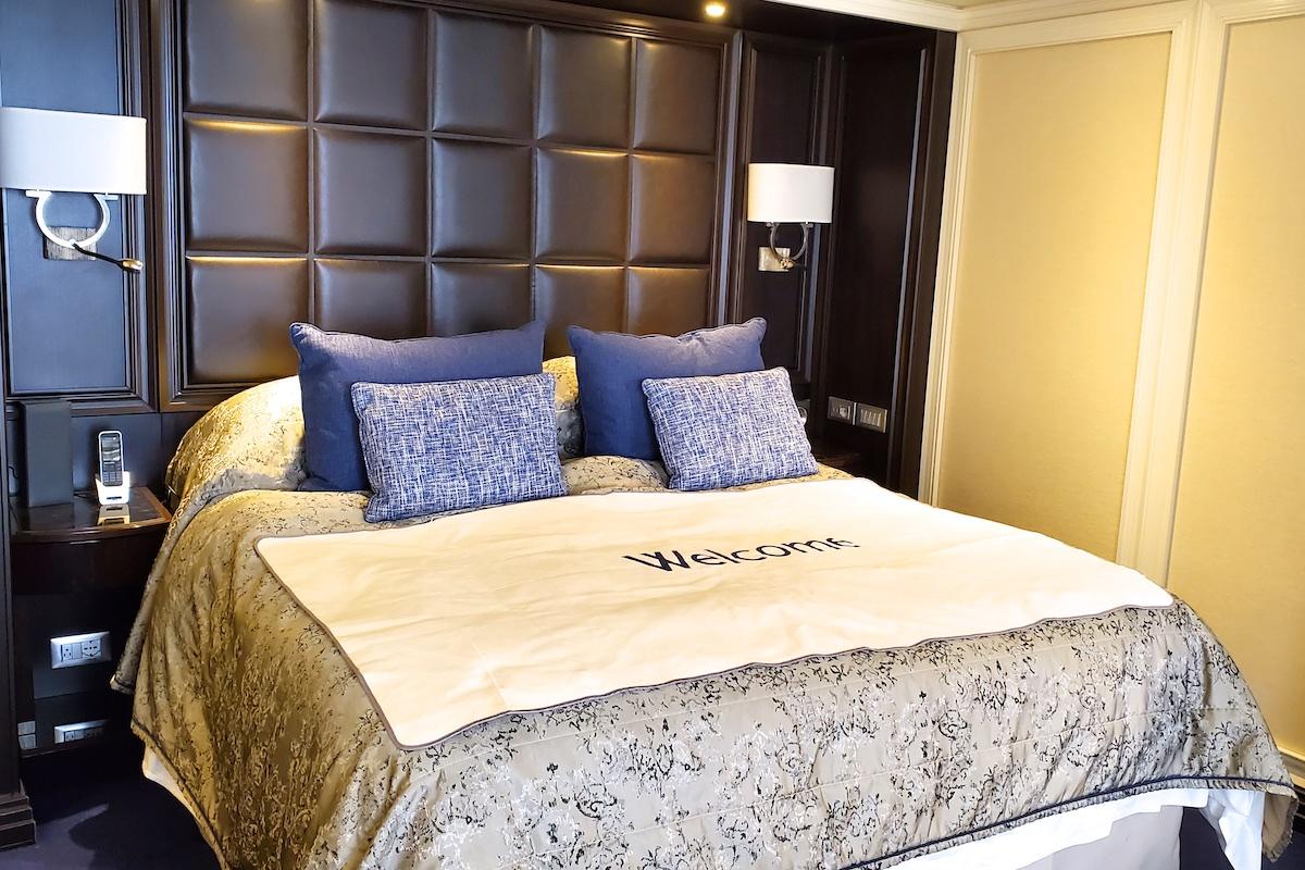 Comfortable bed | Seven Seas Explorer | CruiseReport