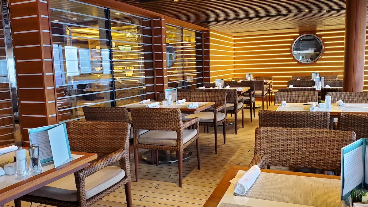 Pool Grill seating | Seven Seas Explorer | CruiseReport