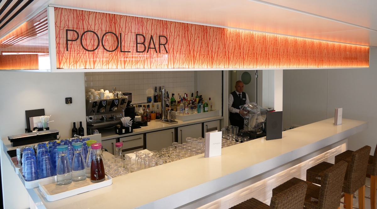 The Pool Bar | Viking Sky | CruiseReport