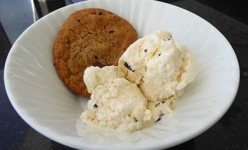 Ice cream and cookie dessert