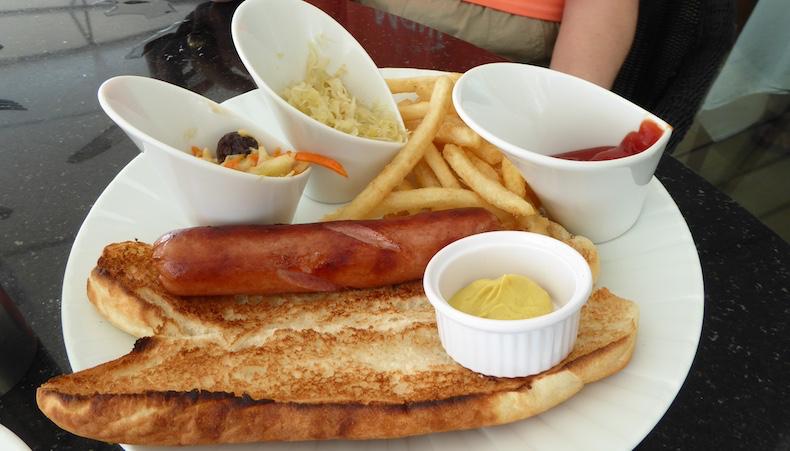 Hot dog served at Veranda