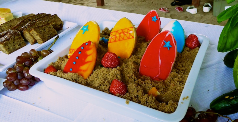 Surfboard cookies for dessert