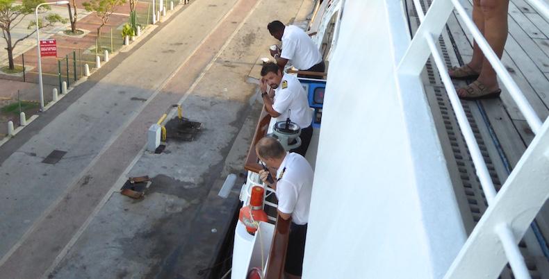 Captain MacAry docks Star Pride in Wellemstad