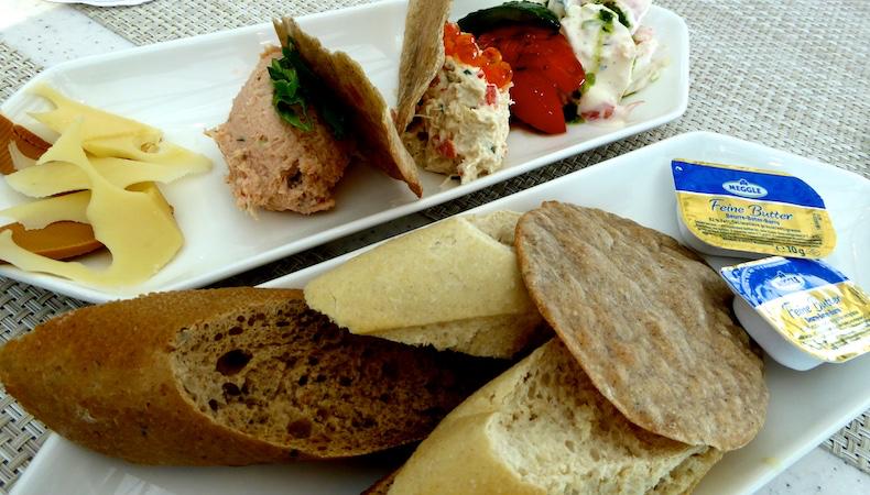 Appetizers of Norwegian specialties