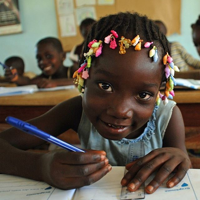 171 million people can be lifted out of poverty if all children simply learned how to read. Education is one of the key factors for children's development.  Photo:  Laurent Duvillier/Save the Children  #RWGala2019 #MakingChildLabourHistory . . . #remarkableworld #remarkablewomensgala #kids #children #motivation #business #love #entrepreneur #inspiration #kidspower #support #girlboss #beauty #bossbabe #empoweringwomen #strongwomen #womensupportwomen #feminism #entrepreneurlife #mindset #empowerment #health #boss #success #globalchallenge #goals #stockholm #savethechildren