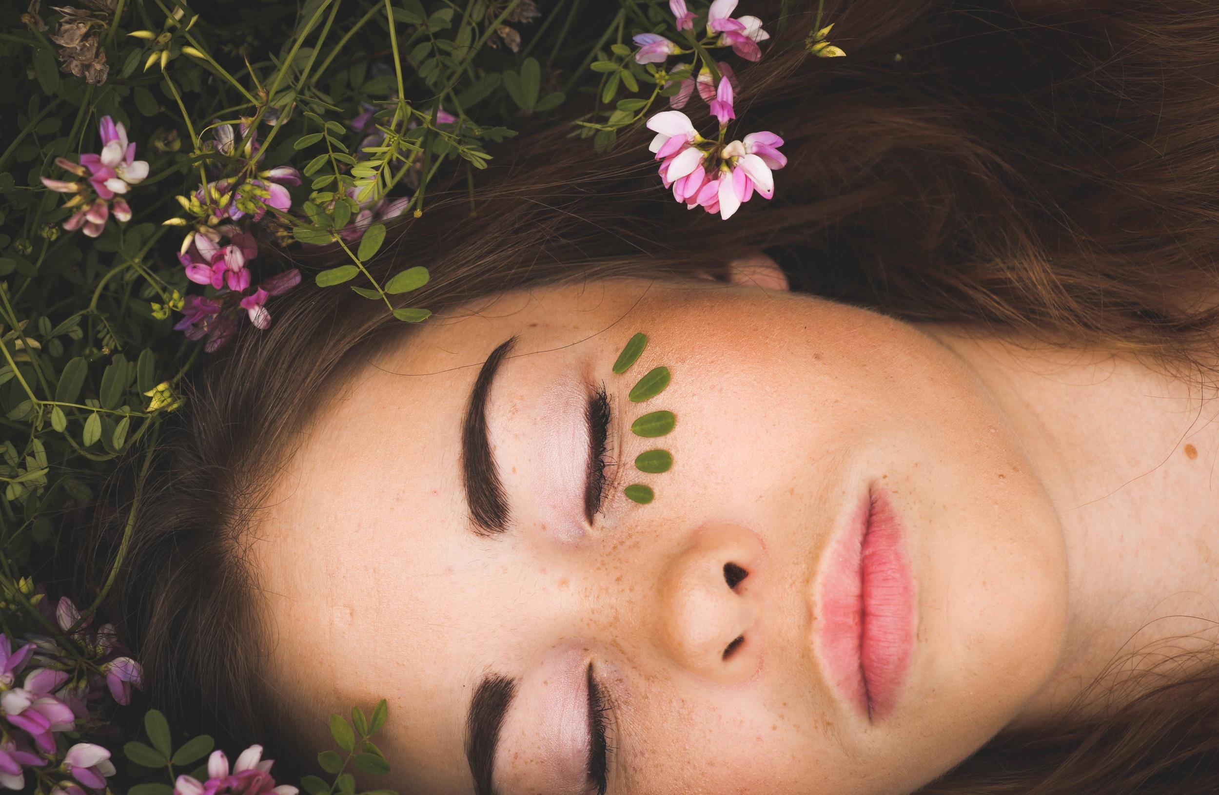 floral+facial+woman