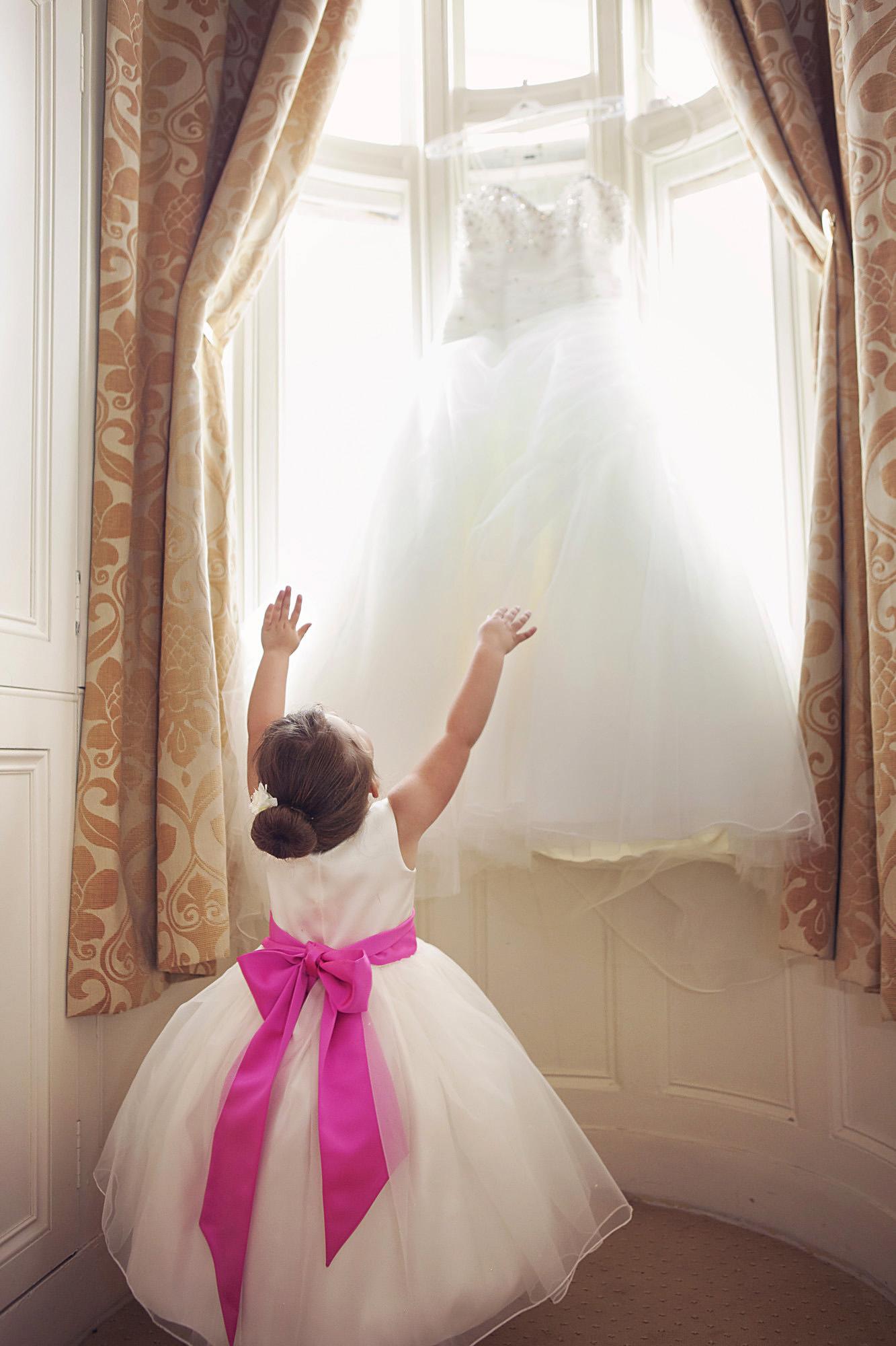 wedding at stoke rochford hall (7).jpg