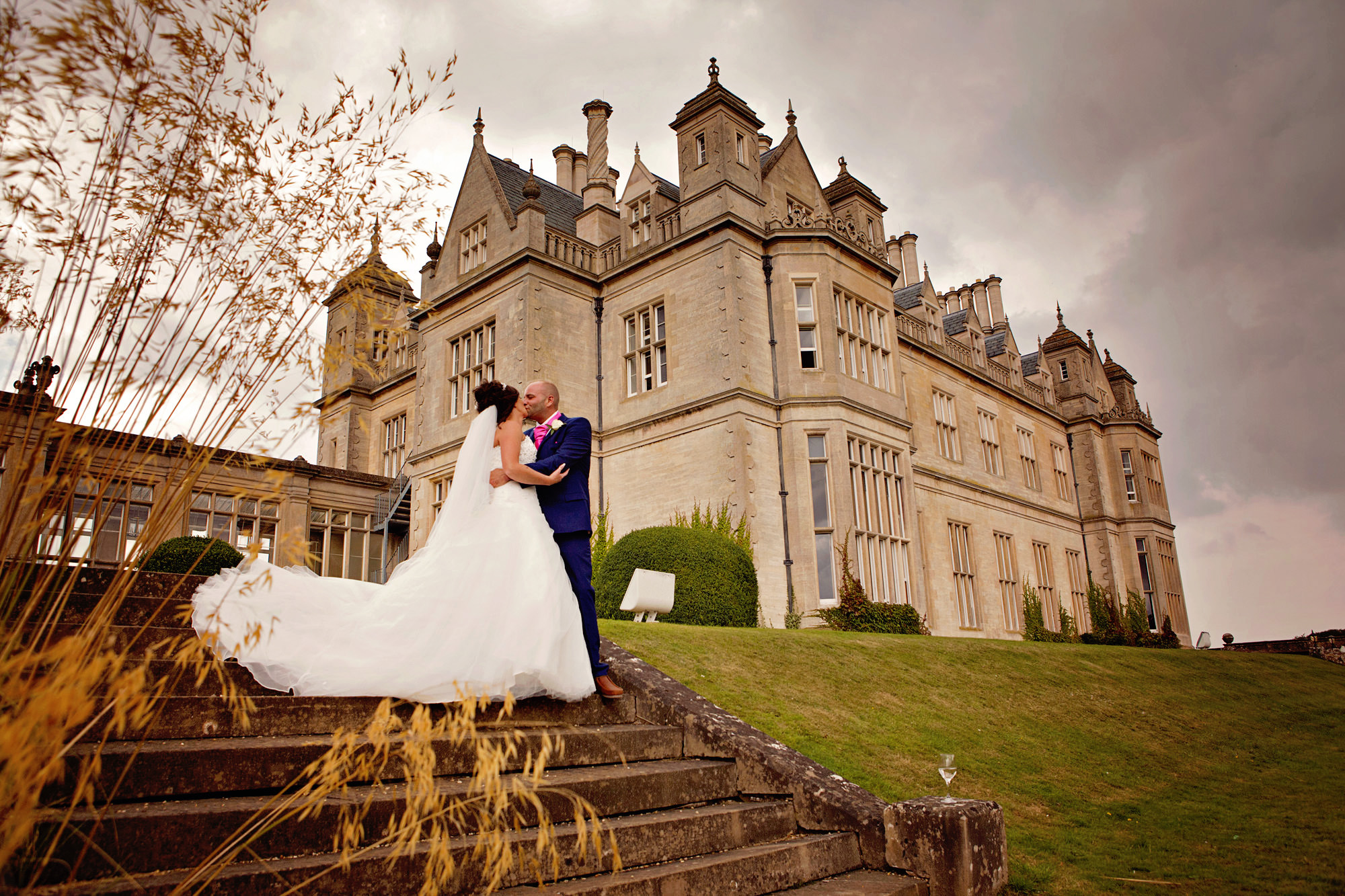 wedding at stoke rochford hall (13).jpg