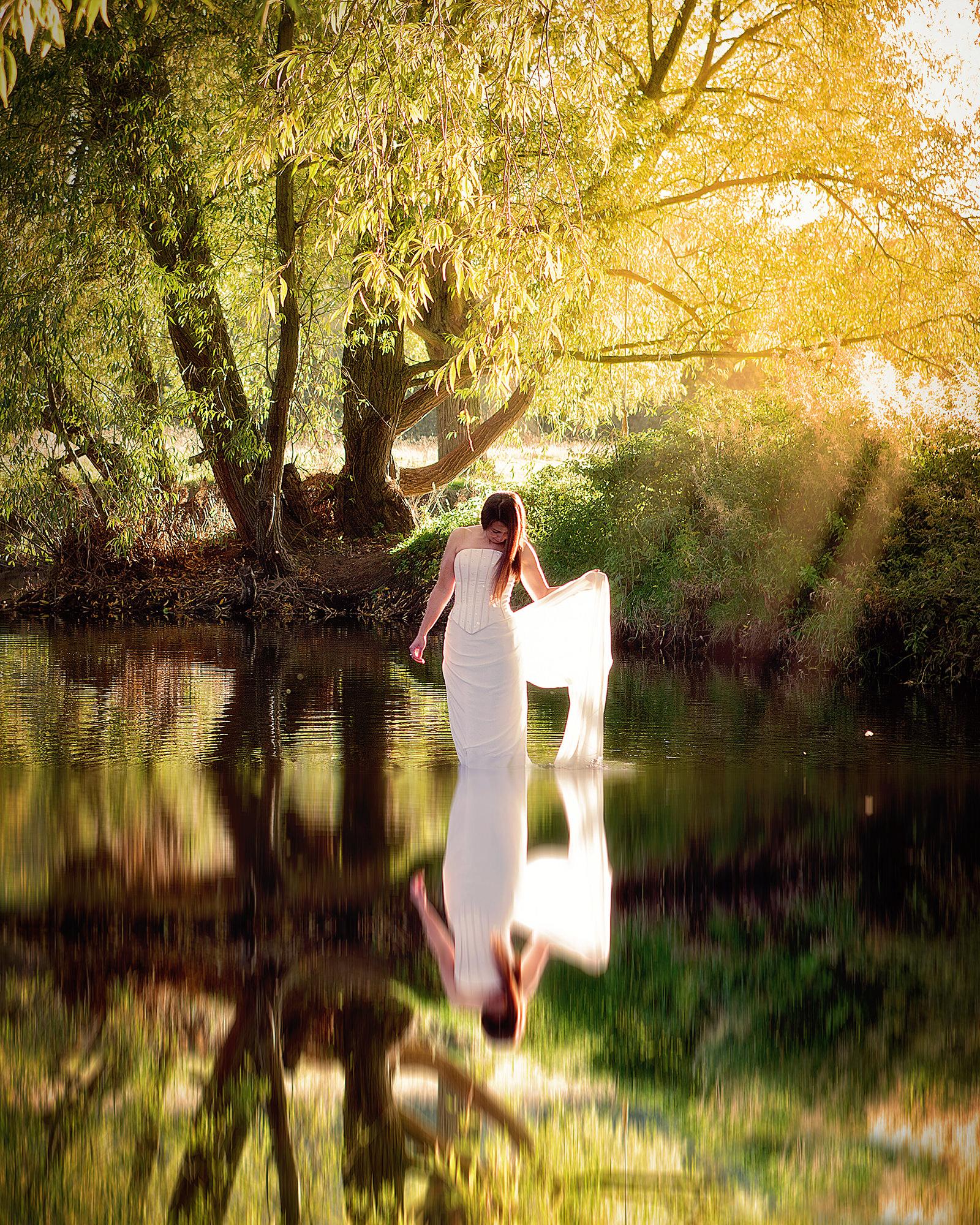 Trash the dress wedding photos Cambridgeshire 11.jpg