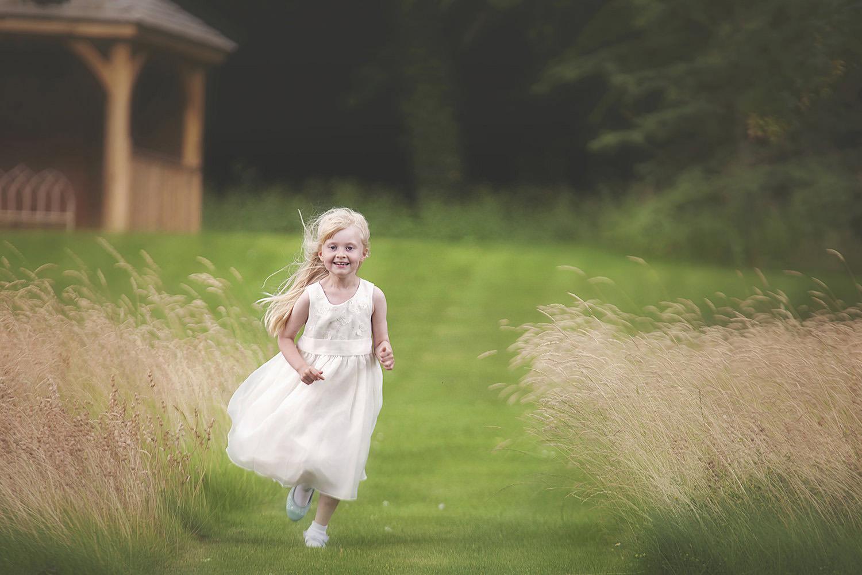 Natural wedding photos in Cambridgeshire