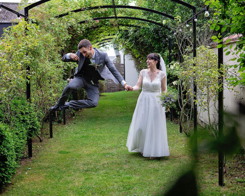 Burwash Manor wedding photos (20).jpg
