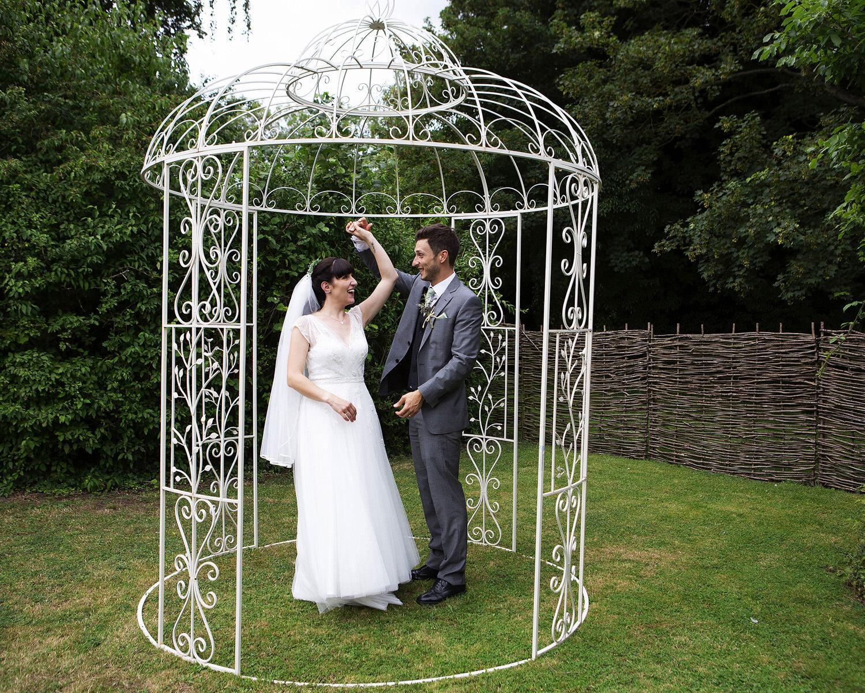 Burwash Manor wedding photos (21).jpg