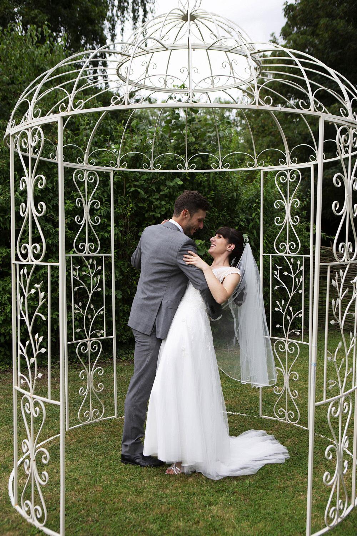Burwash Manor wedding photos (24).jpg