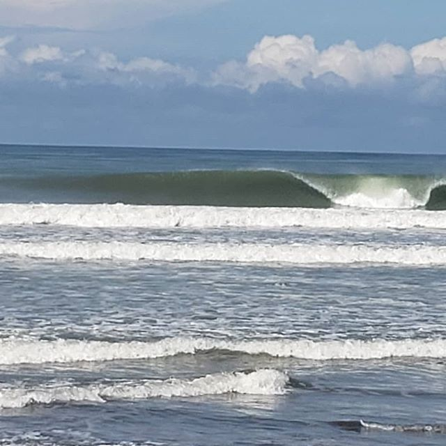 Waves were firing today! #costarica #surfing #surf #waves #olas #travel #beachlife #luzalifestyle #lifestyle #fun #wildandfree