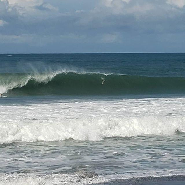 Hermosa hoy! #waves #surf #ocean #lifestyle #costarica🇨🇷 #luzalifestyle #travel #adventure