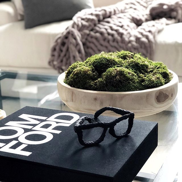 Hey guys! I'm working on my coffee table decor for the summer and decided to make this moss centerpiece. It only took 20 minutes to make. Click on the link in my bio to view the featured video to see how I made it. . . . . . . . . . . . . . . . . . . . . #homeaccessories  #diyhomedecor #diydecorideas #diytutorial #diyproject #diyhomeprojects #diyhomedecor #house #home #decor #interior  #coffeetable #homedecor #coffeetabledecor #creative #interiorstyling #decorating #decorationideas