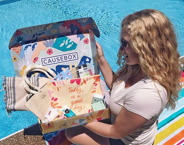 My summer @causebox is here and I'm in love! #causeboxcollective #ad Every product in this CAUSEBOX was made sustainably, and supports local artisans & socially conscious companies 🙌🏼 And bonus points- each purchase gives back to charities that are fighting for a better world. • Typically I'm not huge on subscription boxes because they have a bunch of extra 'stuff' I don't need, but I can genuinely say that I will use every product in my CAUSEBOX - I've already broken out a few things since my box came! 💗 I'm also excited that CAUSEBOX uses very minimal packaging and the packaging they do use is reusable and recyclable in most locations. The box itself is so beautiful I'm using it as pretty storage in my bedroom. A few honorable mentions from this month's box - @altrugoods straw tote bag is gorgeous and holds so much ; @tribealive caftan is the coverup of an island girl's dreams ; @allgoodbrand reef-safe sunscreen, for obvious reasons ; @banded2gether 3-pack of hair scrunchies that gives 3 meals to people in need 💕 • Every box has +$250 worth of products for $49.95. You can use my code blondebiologist10 for $10 off your first CAUSEBOX! . . . #causebox #fashionwithapurpose #shopconsciously #ethicalfashion #fashionrevolution #slowfashionstyle #livesustainably #shopwithapurpose #womenforwomen #ethicallymade #greenlifestyle #theblondebiologist