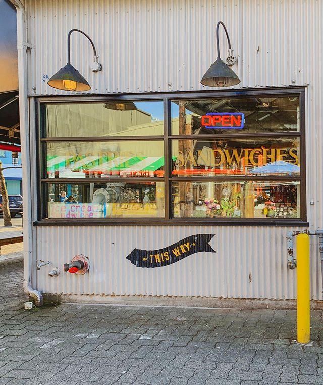 【2010s】in #Vancouver  Photo by @daisyyha  #daisycodephotography #explorebc  #photobydaisyh #canada #canadasworld#insidecanada#paradisecanada  #shotoniphone #daisycodetraveling #daisycodeca