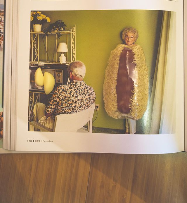 """Photo by @daisyyha  I just saw this pic by #LarrySultan which is about his parents when I was Reading this book. The series was about the dark side of the family , I saw the bright side about the treasure . There are always """"elements""""to make you think about the childhood . About Mother . #daisycodeca #daisycodephotography #香腸 #garlic #soap #taiwan  Second pic by ganzao"""