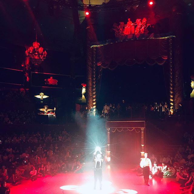 """... ... P A R I S  M US I C A L  S H O W 🇫🇷: «L'Atelier de l'Etrange»: (🇺🇸:""""The Workshop of the Strange"""") I am different (or strange?), I am what I am. ✨🌹 . . . #daisycodetraveling #paris #musicalshow #cirquedhiverbouglione #iamwhatiam #latelierdeletrange #thisisparis #wednesdaywisdom #daisycodeca #daisycode"""