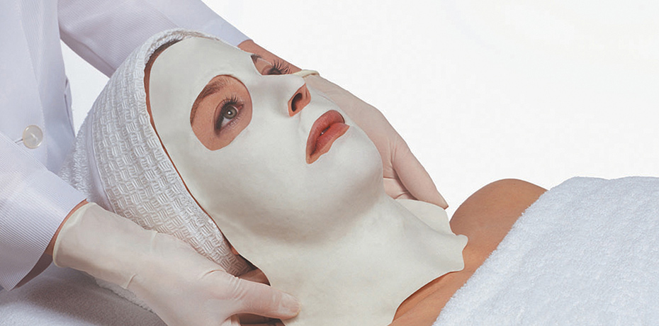 Stem Cell + Algo Mask Treatment - SKIN TYPES: ALL SKIN TYPEThis calming and rejuvenating treatment will soothe and hydrate your skin. Designed to minimize the appearance of redness and provide the ultimate relief to sensitive skin. Your skin is bathed in our signature Phyto Stem Cell serums targeting your concern areas and leaving you a refreshed and radiant skinMAIN EFFECTS: HYDRATES, REDUCE REDNESS AND SENSITIVITY85 MIN SESSION- $115
